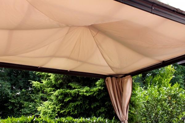 Sonnenschutz Baldachin eingehängt